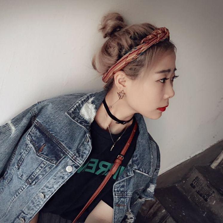 模特邓晶陈丽被摄影师
