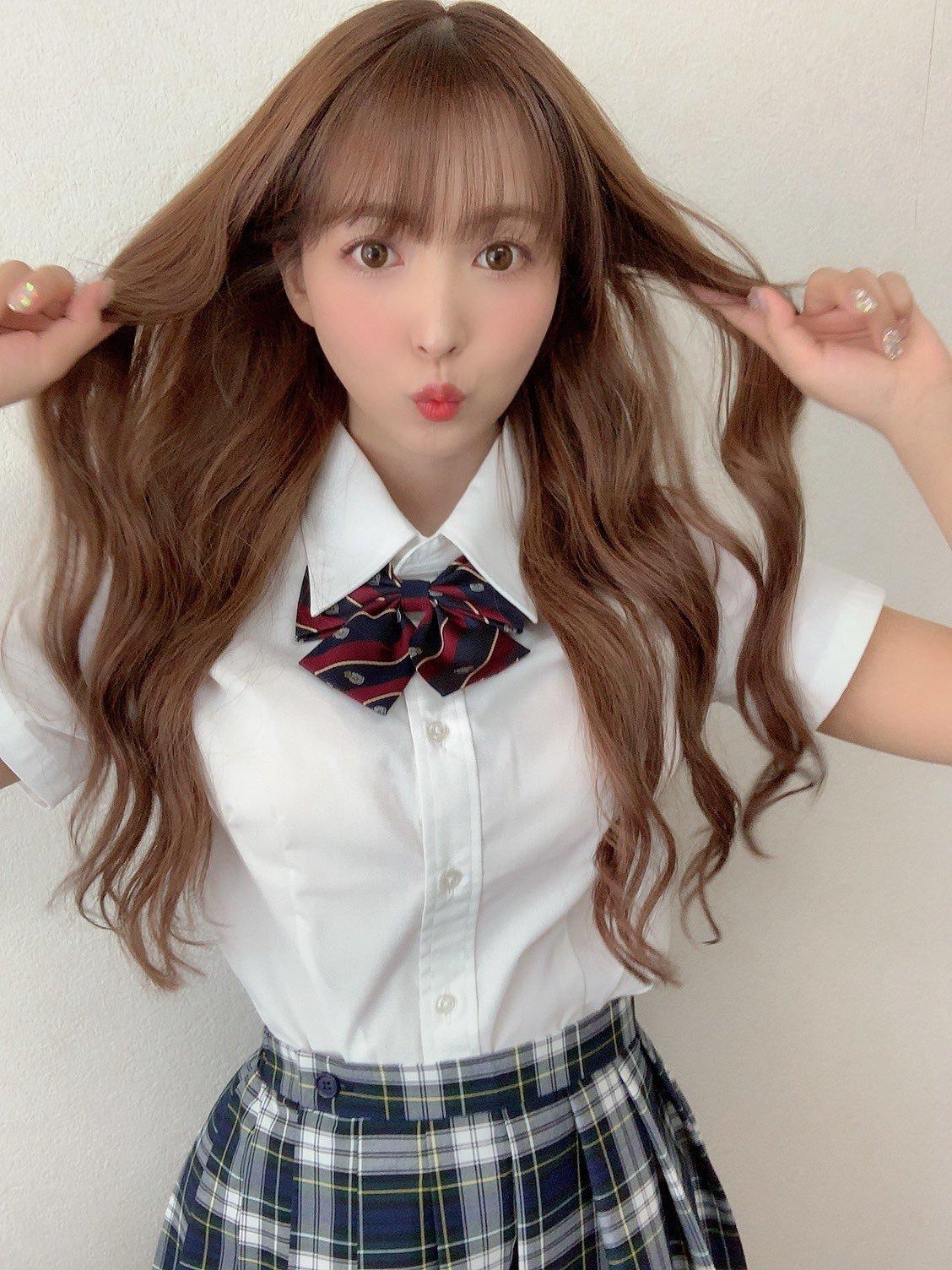 yua_mikami 1244113203589558272_p1