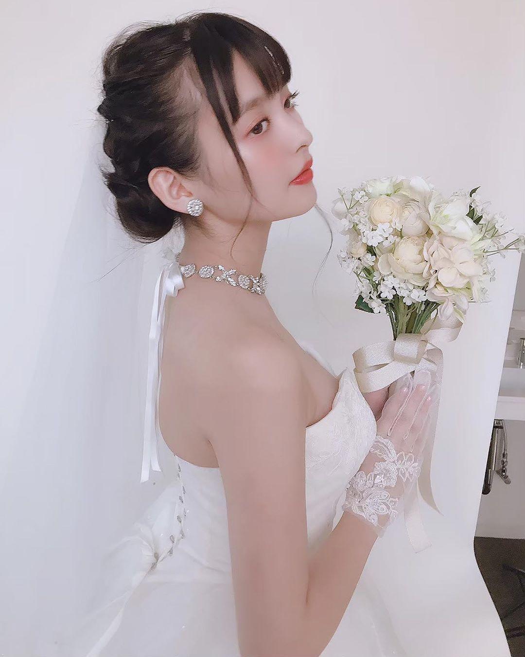 上坂堇 婚纱