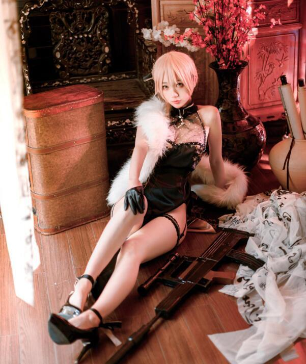 周叽是可爱兔兔 - 闪电姐旗袍 (1)