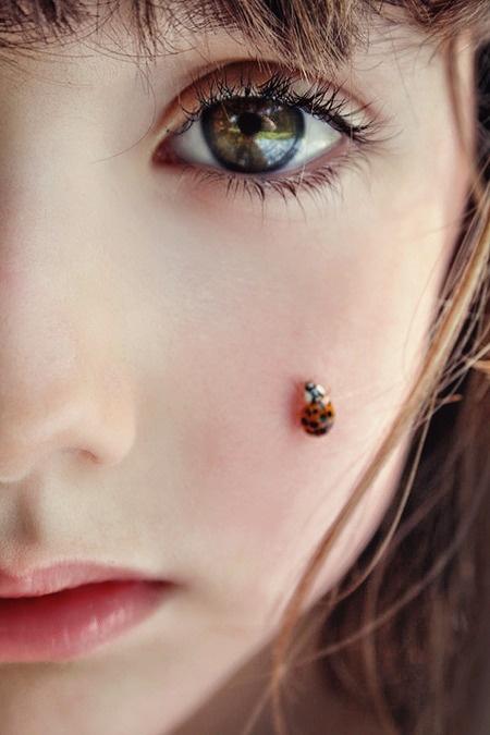 美人痣都弱爆了 昆虫痣