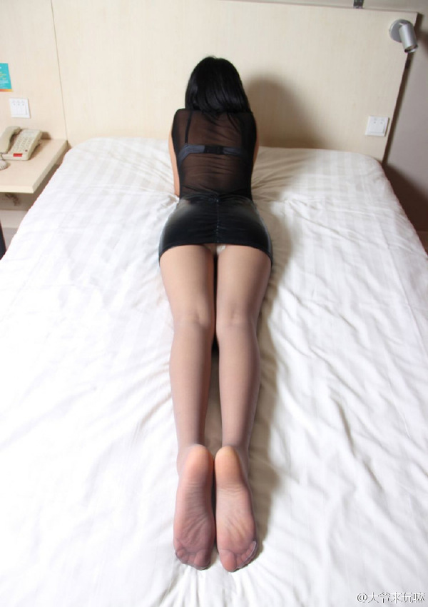 熟妇的超薄肉丝翘臀诱惑