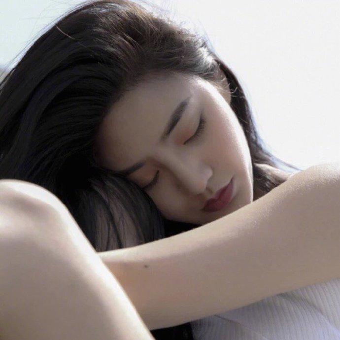 晚安说说句子191123:不对的感情,越努力越失意