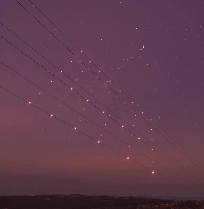 早安心语说说200207:愿我如星君如月,夜夜流光相皎洁