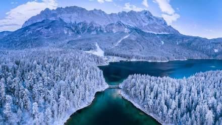 楚格峰下的艾布湖