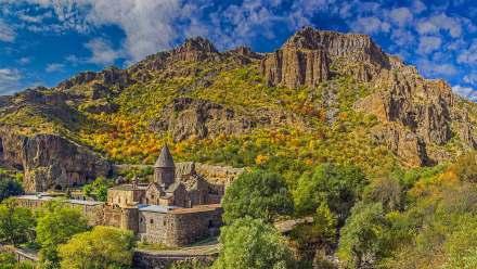 格加尔德修道院