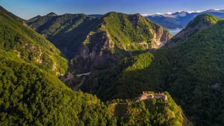 堡垒山上的珀纳里城堡