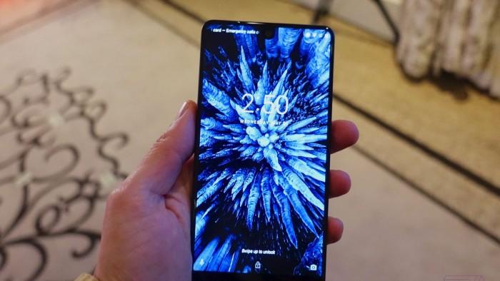 """""""安卓之父""""全面屏安卓旗舰手机Essential PH-1初步上手的照片 - 1"""