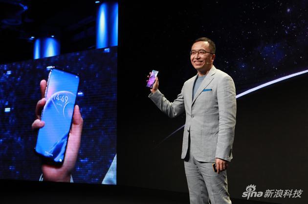 荣耀赵明:Magic 2滑屏结构让你像玩Zippo一样上瘾的照片 - 1