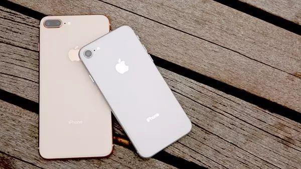 亲身感受 214元换电池让iPhone 8 Plus复活的照片 - 1