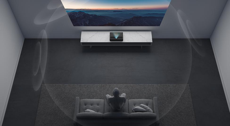 可投150英寸超巨幕 米家激光投影电视4K版发布:9999元的照片 - 1