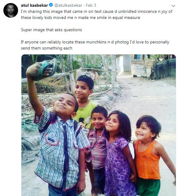 """印度孩子举拖鞋""""自拍""""照走红社交网络的照片 - 3"""