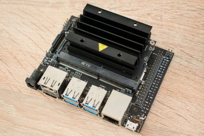英伟达发布嵌入式电脑Jetson Nano:功耗仅5W的照片 - 2