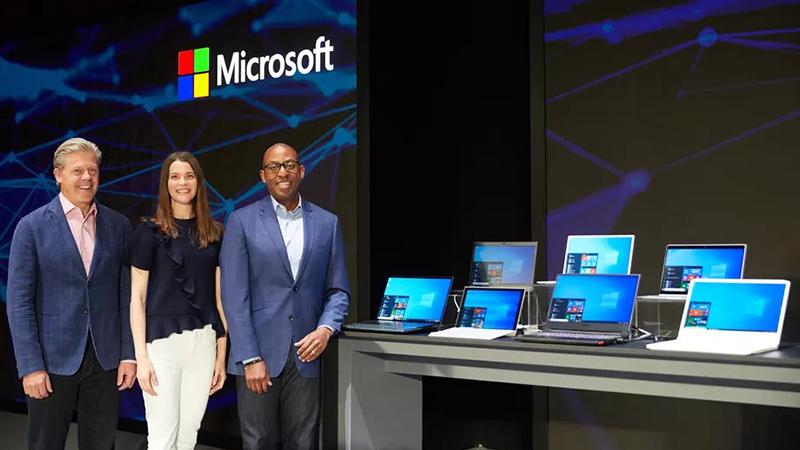 微软畅享Windows未来:无缝升级 一切都在后台完成的照片