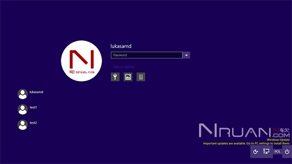 Windows 10 Build 9926如何实现用圆形用户登录界面?的照片