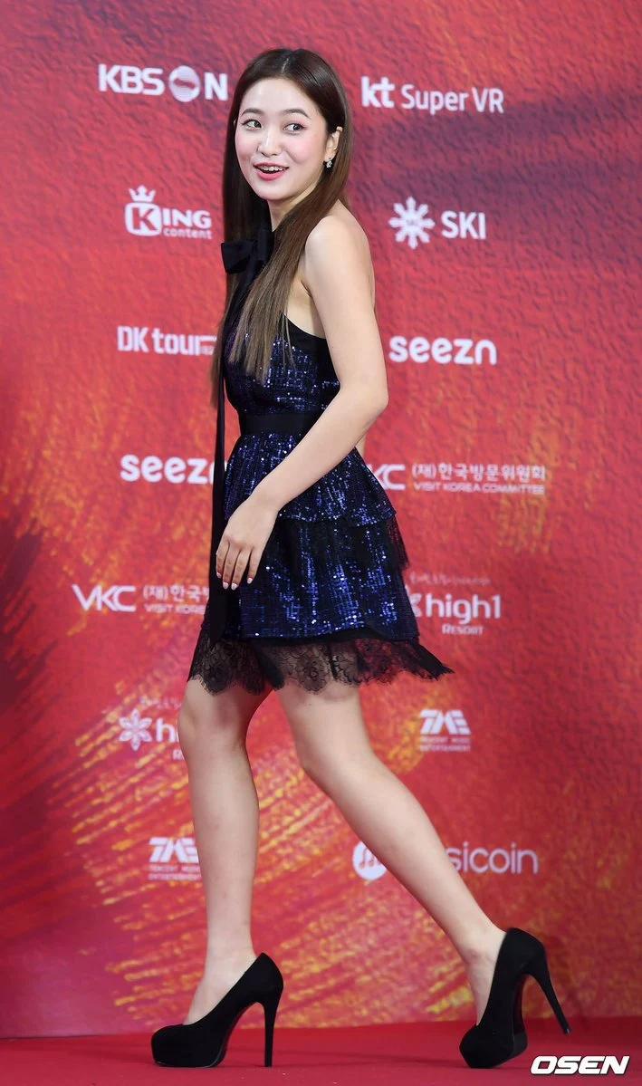 Red Velvet忙内Yeri十大最令人惊艳的红毯造型插图13