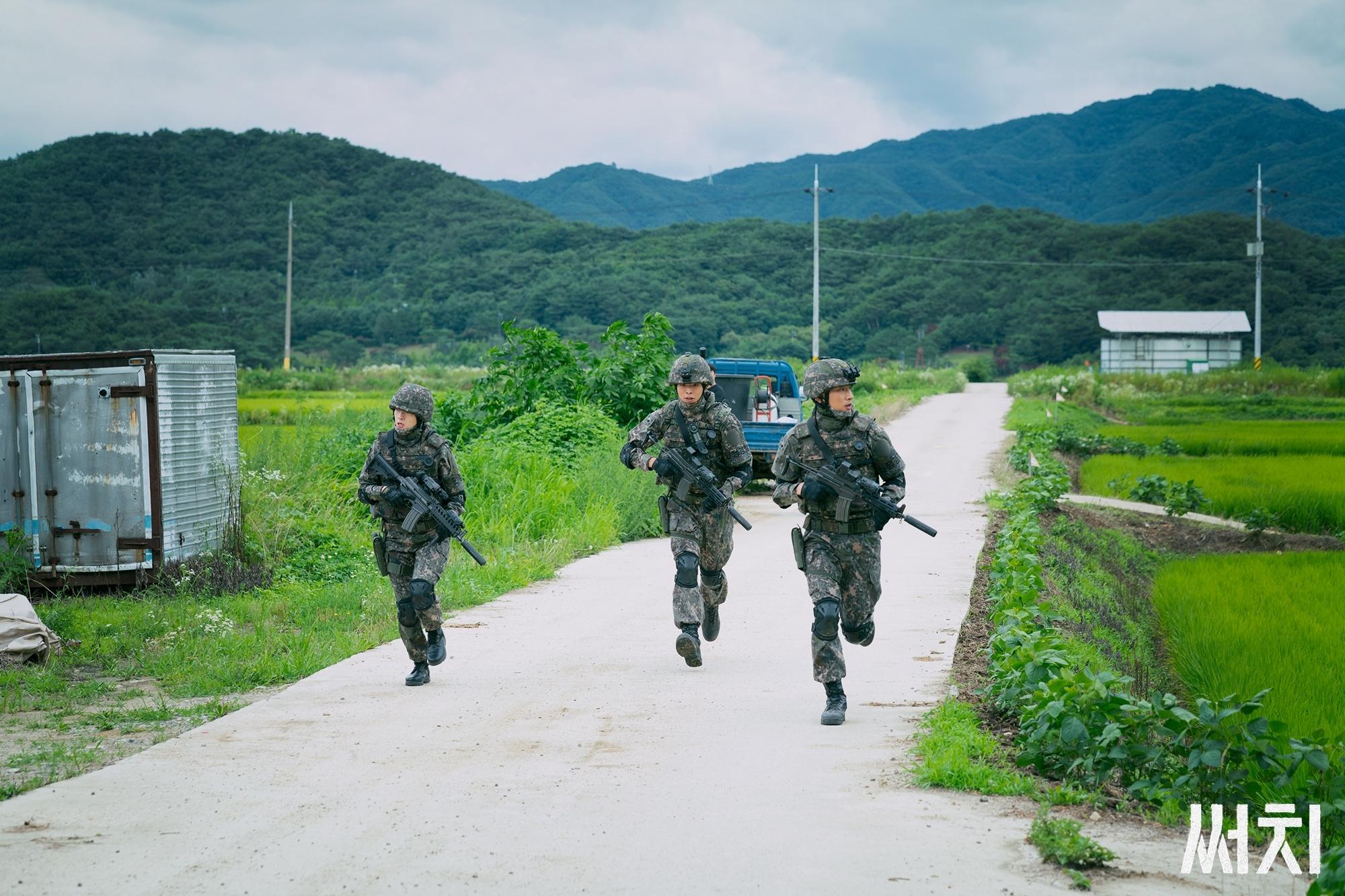 这些剧情太智障,这部豆瓣7.7分的韩剧是在黑韩国军人吧?插图13