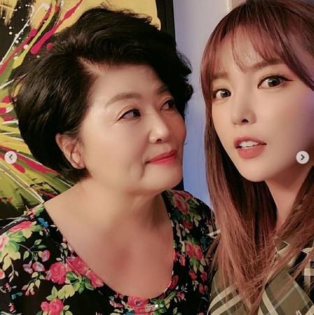 韩国女星洪真英论文被母校判定为抄袭,网友:应严查明星们的学位、论文问题插图5