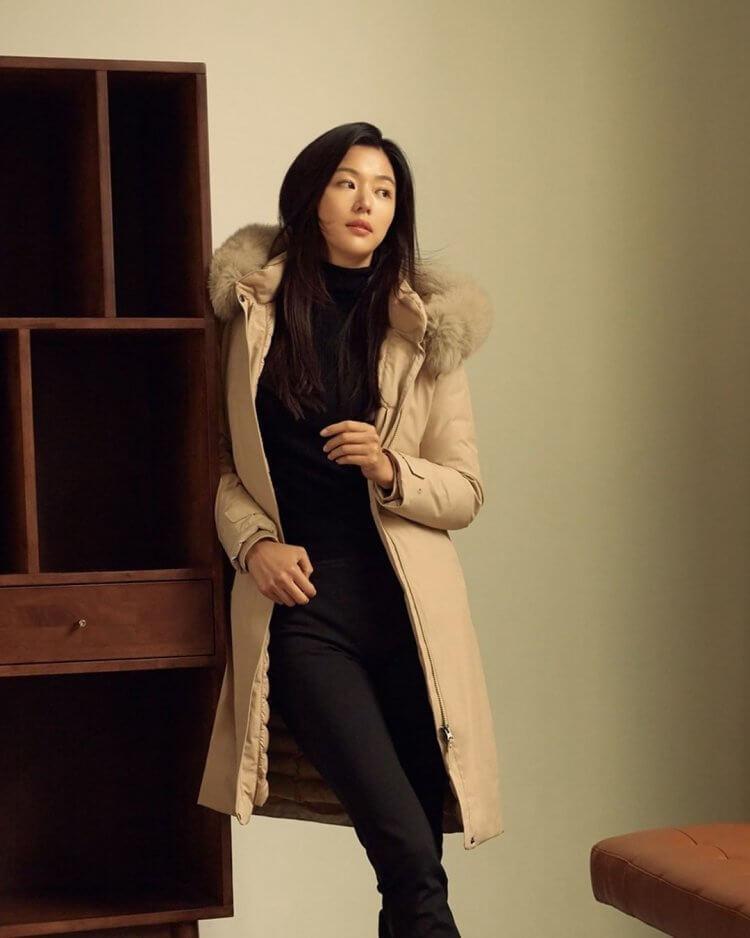 寒冬新时尚!跟着韩国女星学习羽绒服穿搭,一起来做冬日女神!插图5