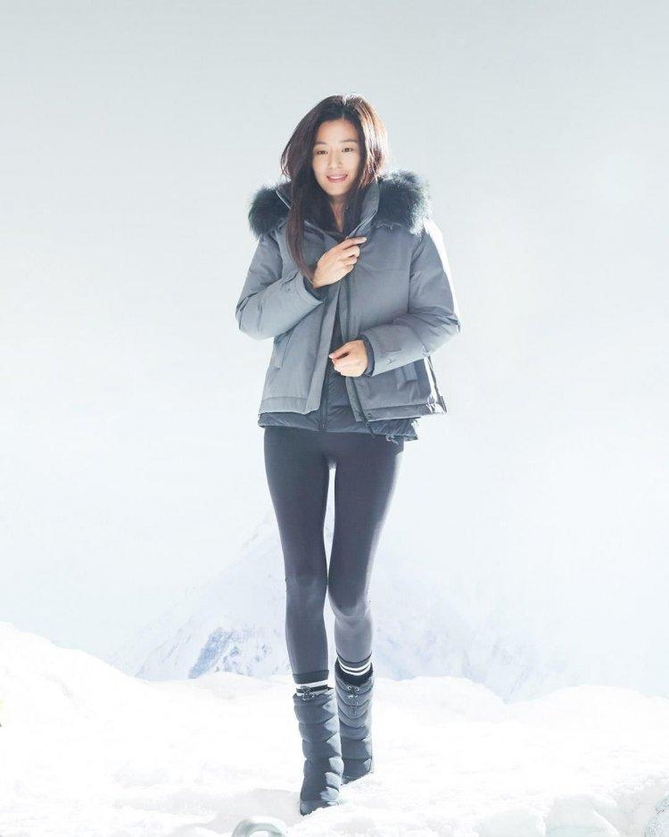 寒冬新时尚!跟着韩国女星学习羽绒服穿搭,一起来做冬日女神!插图7