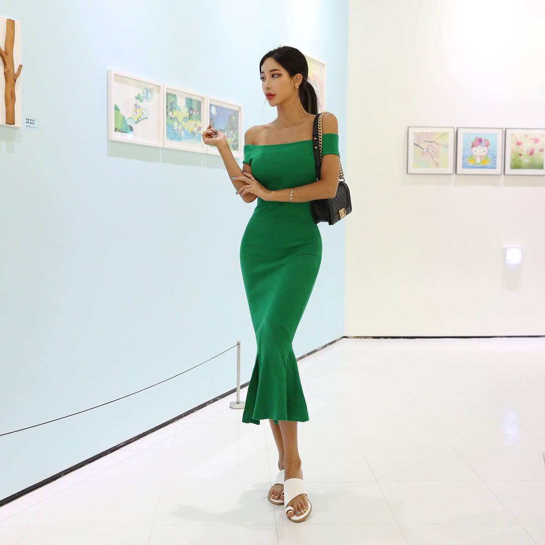 绿色裙子是不是比较显身材啊? 第2张