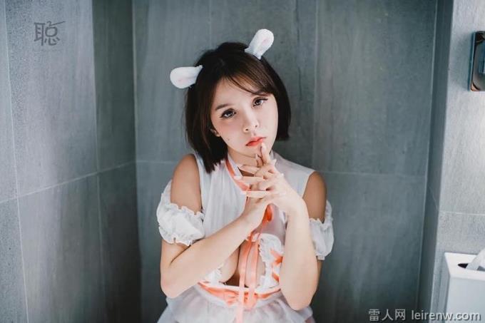 """36H""""臺中兇版李毓芬"""":陳香菱咬竹賣萌扮""""禰豆子"""""""