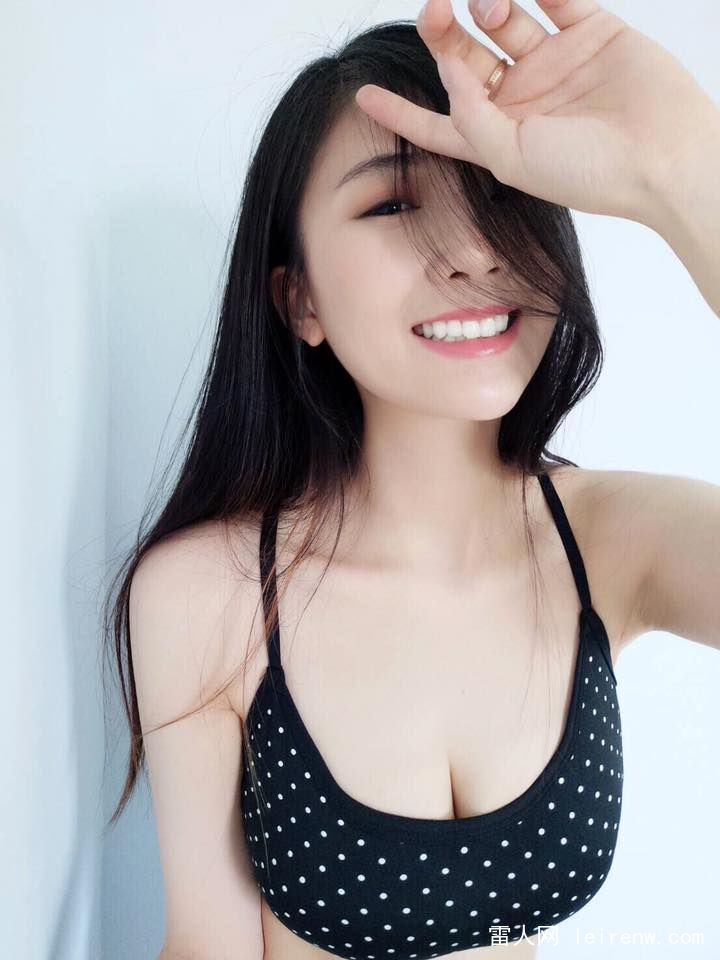 台湾美胸辣妈谢薇安大胸写真
