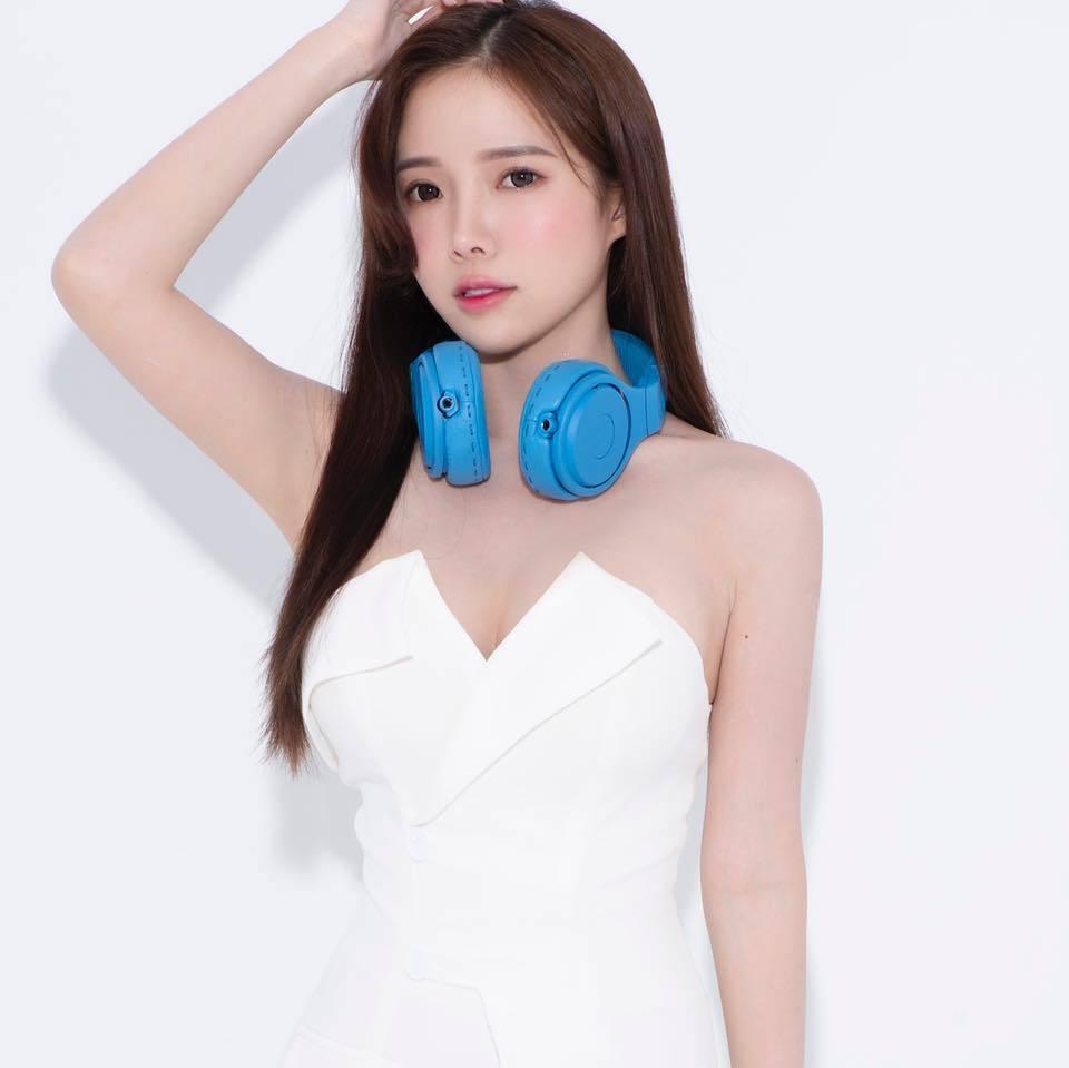 素颜也漂亮!百大DJ女神「蓝星蕾」公开卸妆后真实长相…全场惊赞:完全没差-新图包