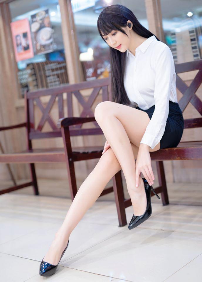 长腿模特@彭琁 一眨眼就撩走你的心 网络美女 第2张