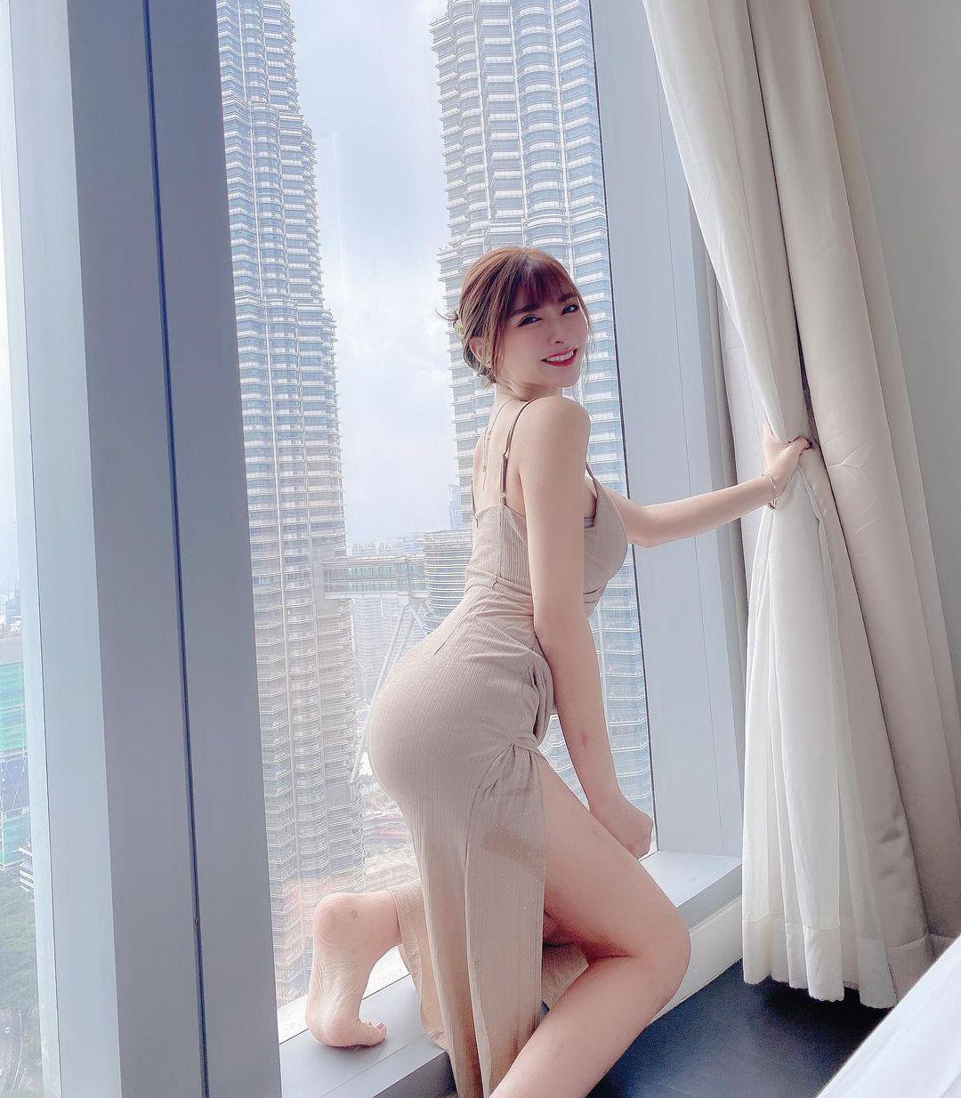 马来西亚极品妹推荐「邢益燕」完美S型身材!下福利采集发布coserba.com
