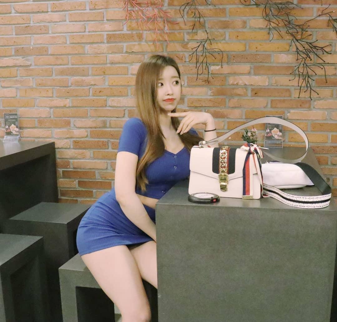 韩国极品网红美女jungvely_1121身材超性感 养眼图片 第3张