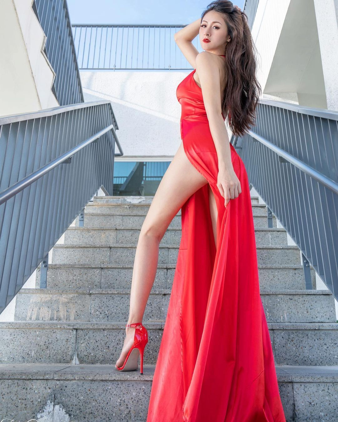 175cm幼教老师兼腿模Lola 雪岑 拥有一双逆天长腿 发现美