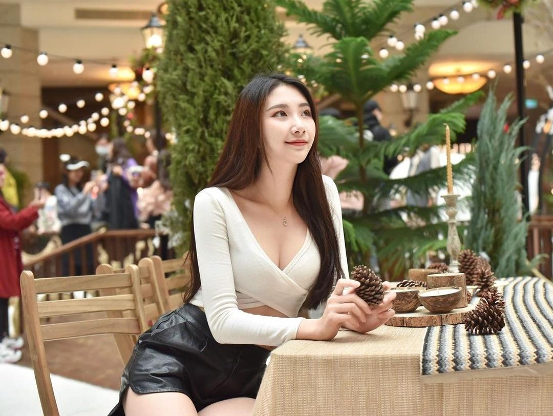 逆天长腿舞姬「Wendy宛璇」点燃红磨坊狂欢夜性感热舞-新图包