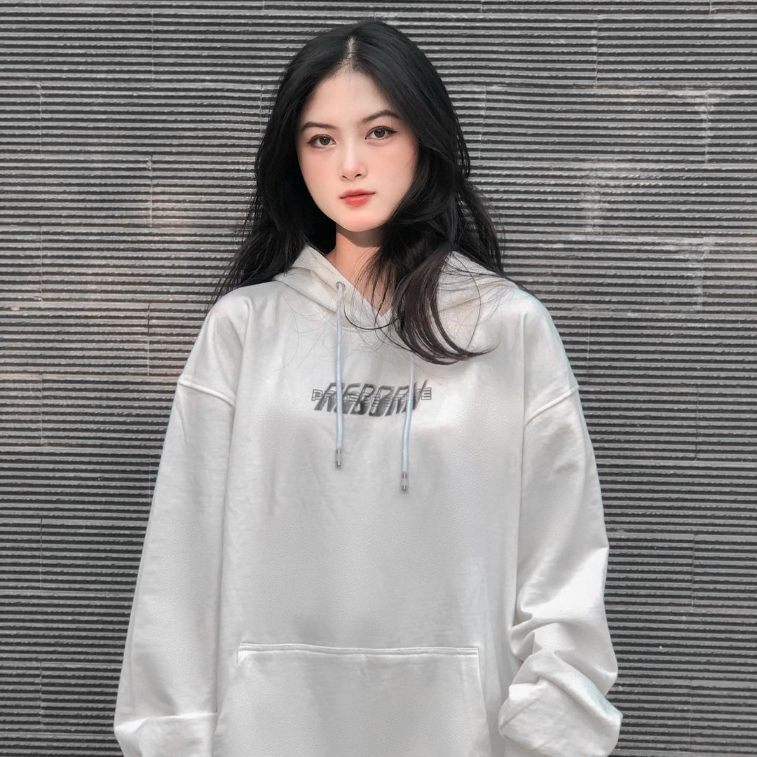 [人物]清纯越南妹子「Leely」辣穿奥黛,让人不被她掳获都不行啊. 养眼图片 第17张