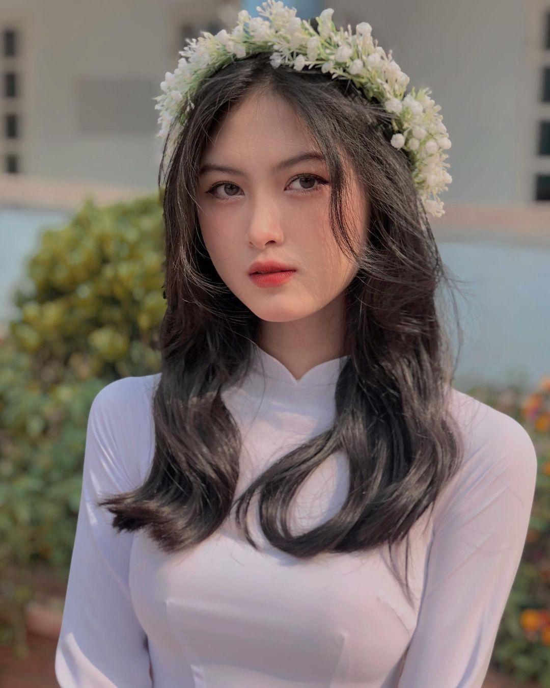 [人物]清纯越南妹子「Leely」辣穿奥黛,让人不被她掳获都不行啊. 养眼图片 第24张