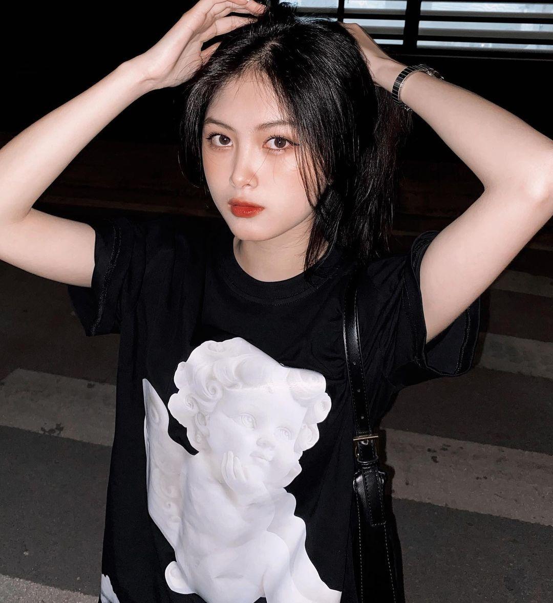 [人物]清纯越南妹子「Leely」辣穿奥黛,让人不被她掳获都不行啊. 养眼图片 第25张