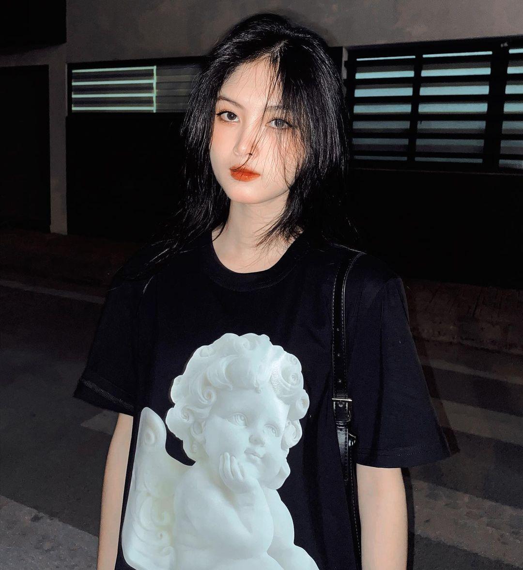 [人物]清纯越南妹子「Leely」辣穿奥黛,让人不被她掳获都不行啊. 养眼图片 第26张