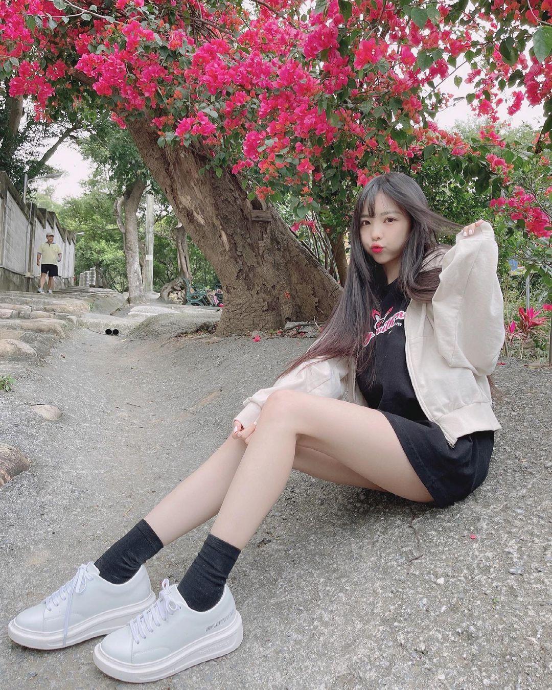 清新可爱的「软萌系美女」赵兔兔,性感旗袍小露,粉丝看到受不了. 养眼图片 第18张