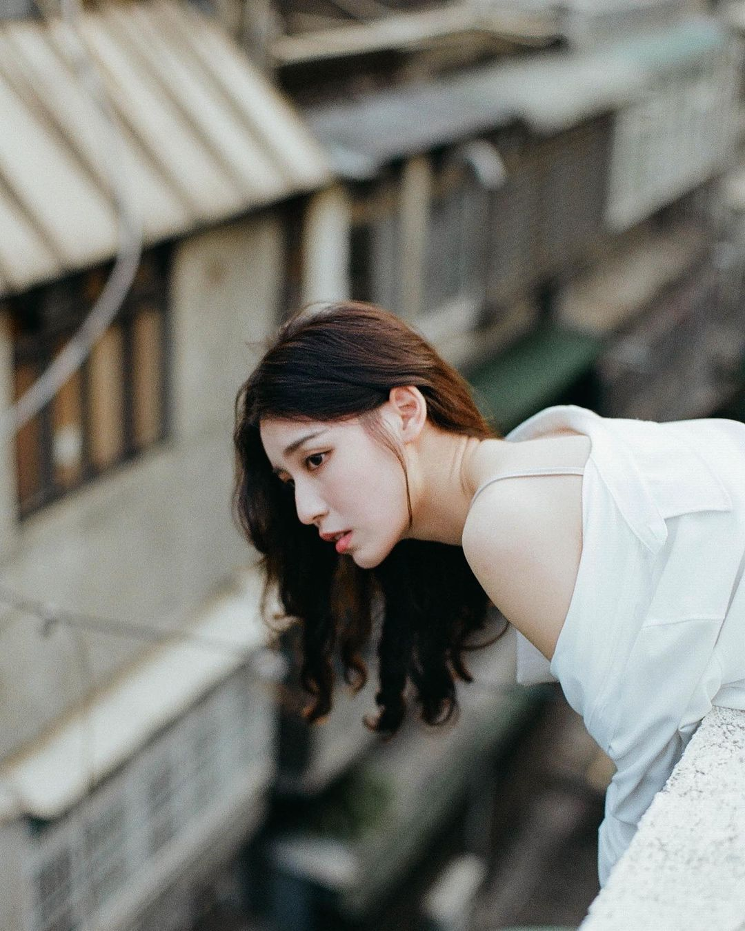 清纯系女神「Chin 沁柔」今年18岁!甜美笑容和窈窕蛮腰,让人瞬间恋爱!-新图包