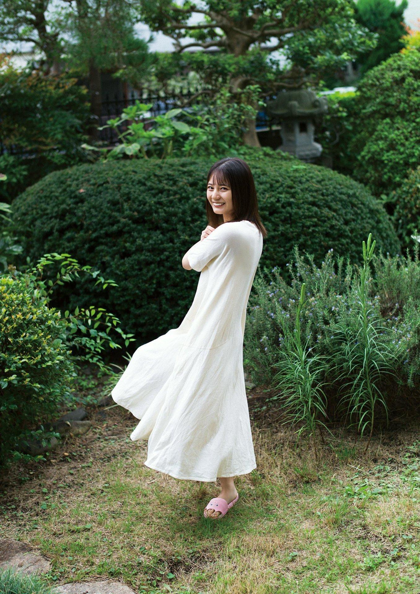 日向坂46不动王牌「小坂菜绪」,纯爱视角眼神不断放电强迫让人恋爱-新图包