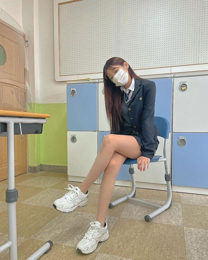 IG高校美女「童颜」好极品,「放学后的穿搭」让人恋爱. 养眼图片 第12张