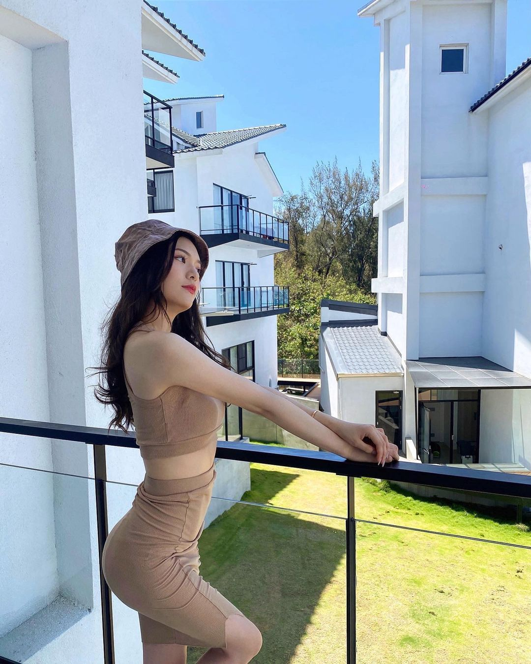 超正白富美!「Lillian Chen」脸蛋甜美身材火辣,穿搭气质漂亮还不忘性感!插图(3)
