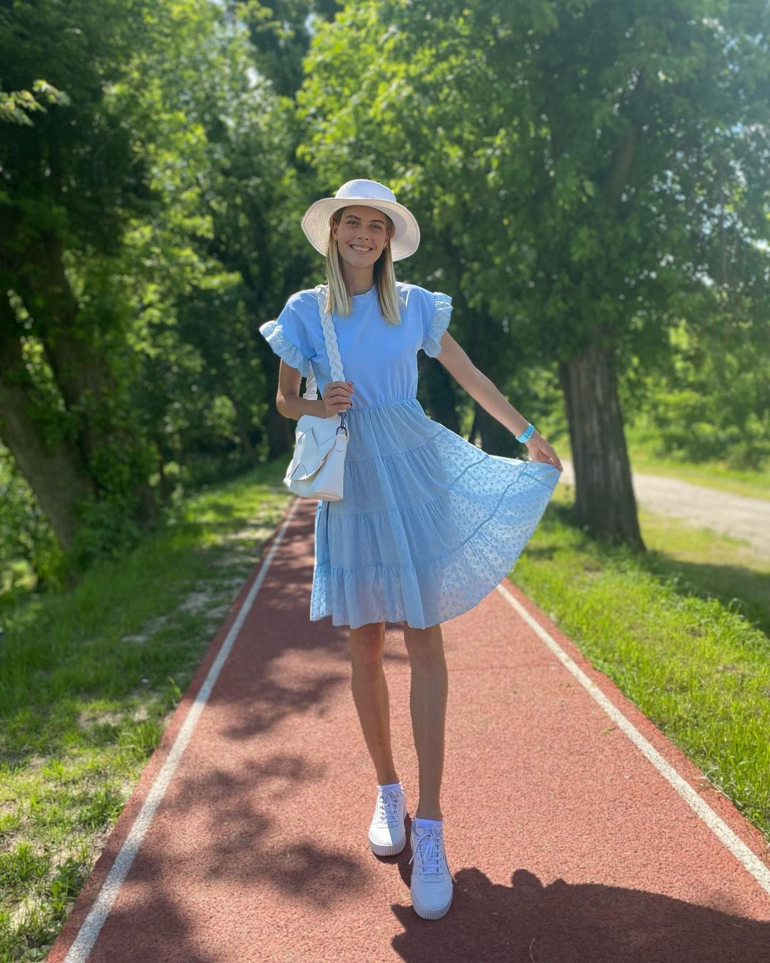 [东奥正妹]乌克兰跳高美少女刷新世界纪录 修长美腿有着绝对优势 养眼图片 第9张
