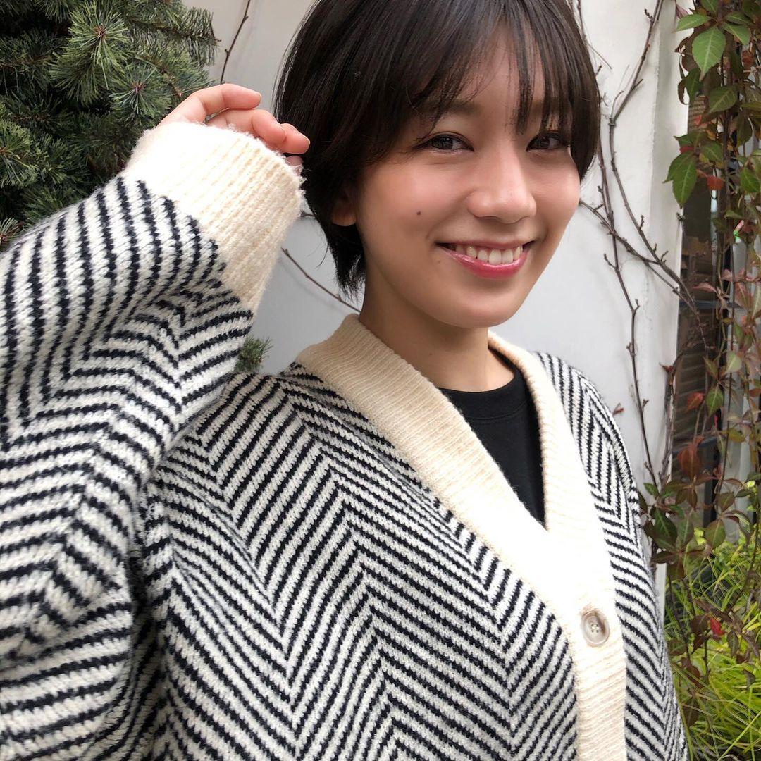 短发妹佐藤美希绝对能触动各位短发控心中最软的那一块 养眼图片 第3张