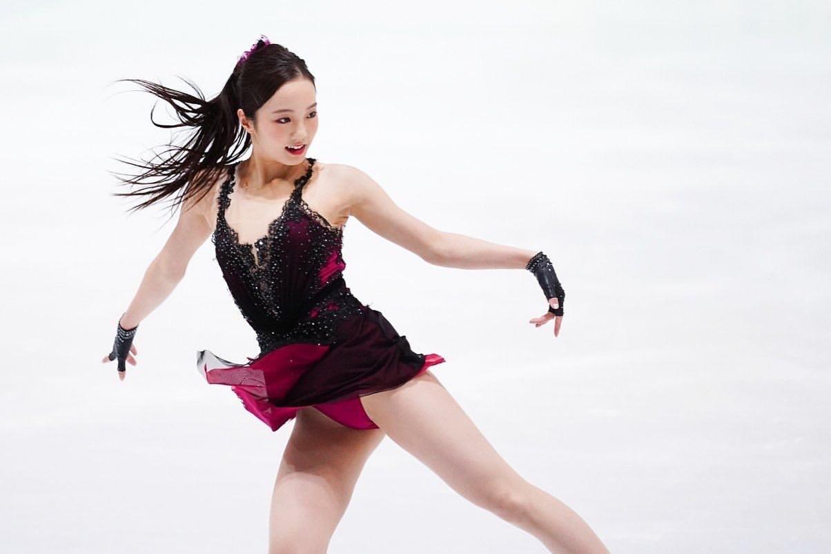 [正妹]日本花式滑冰女神[本田真凛]Cos蝴蝶忍在运动场上翩翩起舞 养眼图片 第6张