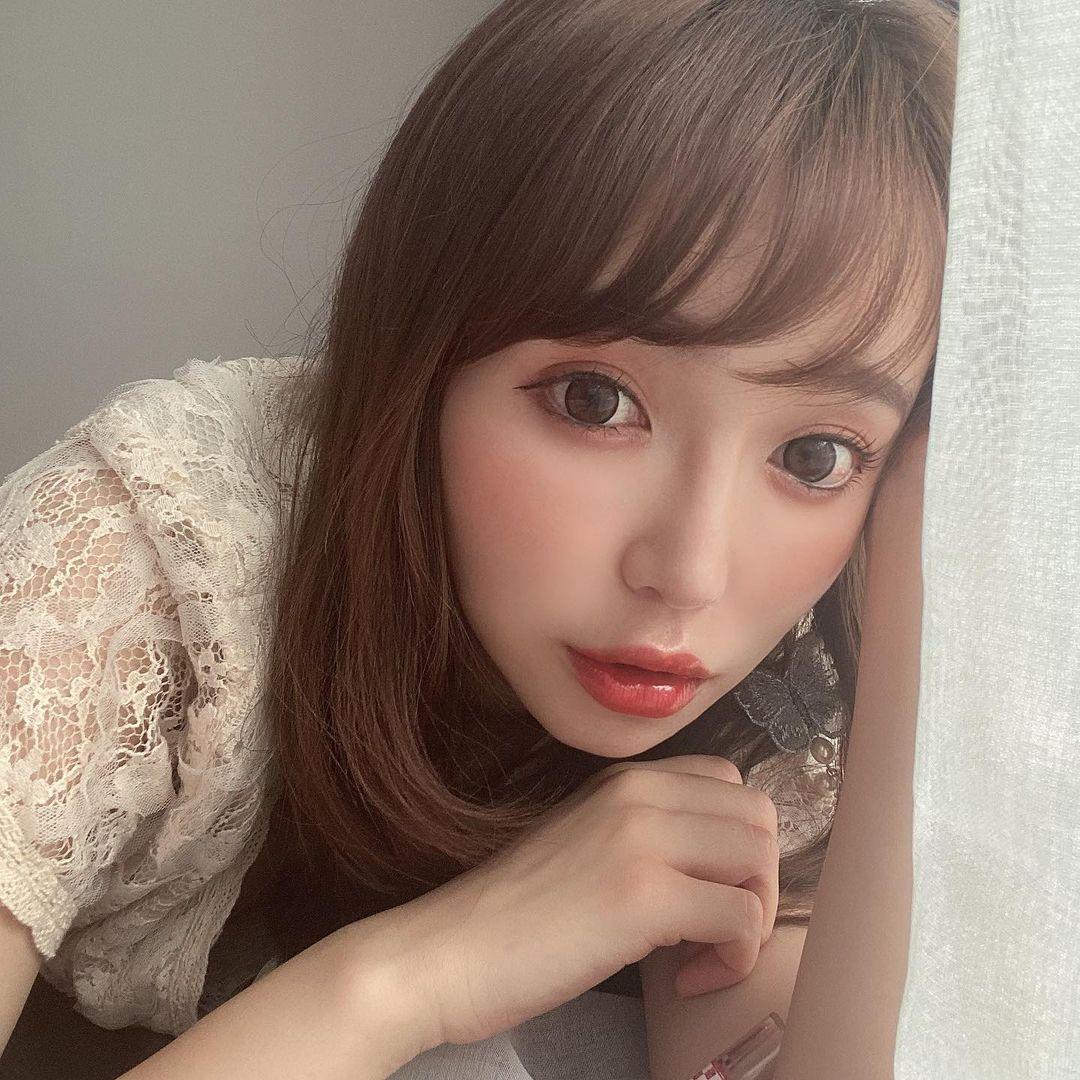150cm甜美正妹是现役药剂师 网友光看就恋爱 美女动图 第6张