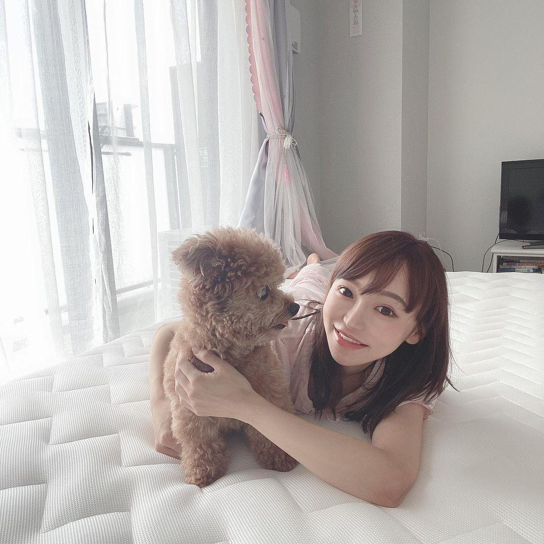 150cm甜美正妹是现役药剂师 网友光看就恋爱 美女动图 第8张
