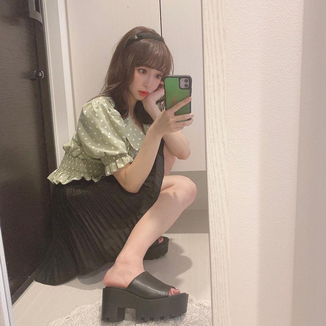 150cm甜美正妹是现役药剂师 网友光看就恋爱 美女动图 第10张