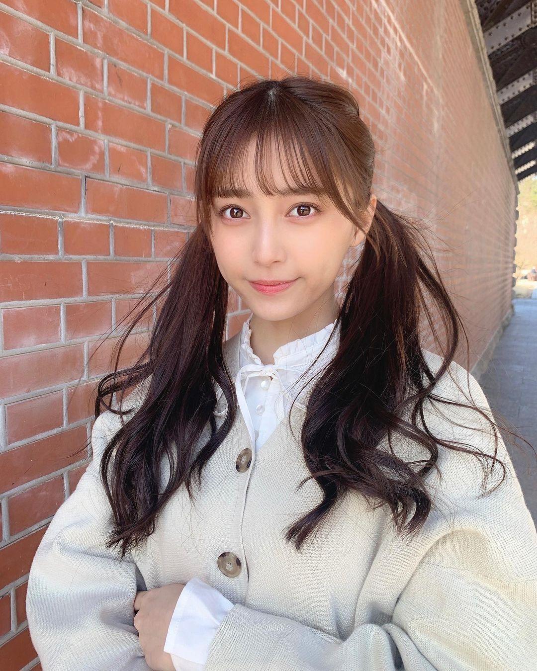 18 岁的青春魅力.清新美女「小山璃奈」高中一毕业就解放长腿 养眼图片 第7张