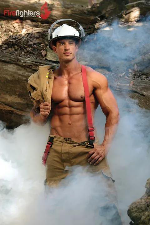 萌妹子《澳大利亚消防员日历》的图片 第20张